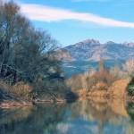 """Tram del riu Llobregat al seu pas per les rodalies de Montserrat. Imatge del vídeo divulgatiu """"D'esquenes al Llobregat""""."""