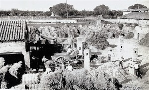 Máquina de batir. Sant Vicenç dels Horts. 1943. AMSVH. Donación de la familia Font Parés.