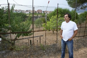 Alfonso Muñoz, concejal de Promoción Económica del Ayuntamiento de Santa Coloma de Cervelló y promotor de la recuperación de terres para que se cultiven de nuevo.
