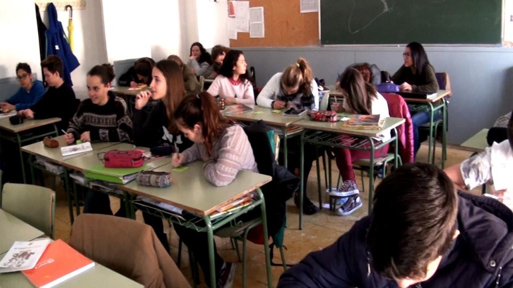 """El proyecto también se presentó con anterioridad en otro Instituto del Baix Llobregat. Esta imagen corresponde a la actividad de la presentación de """"Orgull de Baix"""" a los alumnos de 3º de ESO del IES Olorda de Sant Feliu de Llobregat."""